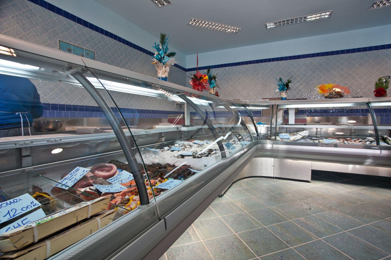 Arredamento negozi avellino offerte usato for Arredamento napoli offerte